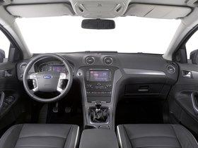 Ver foto 7 de Ford Mondeo 5 puertas 2010