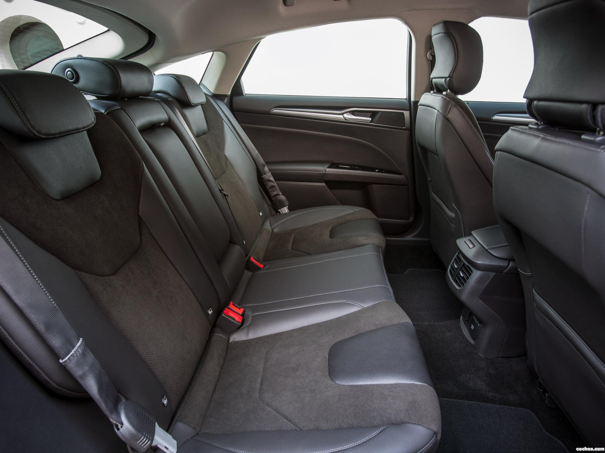 Foto 15 de Ford Mondeo 5 puertas 2014