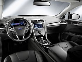 Ver foto 4 de Ford Mondeo 5 puertas 2014