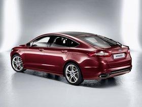 Ver foto 3 de Ford Mondeo 5 puertas 2014