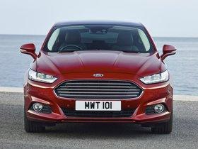 Ver foto 2 de Ford Mondeo Hatchback UK 2014
