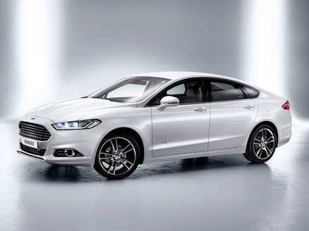 Ford Mondeo Sedán 2.0 Hev Trend