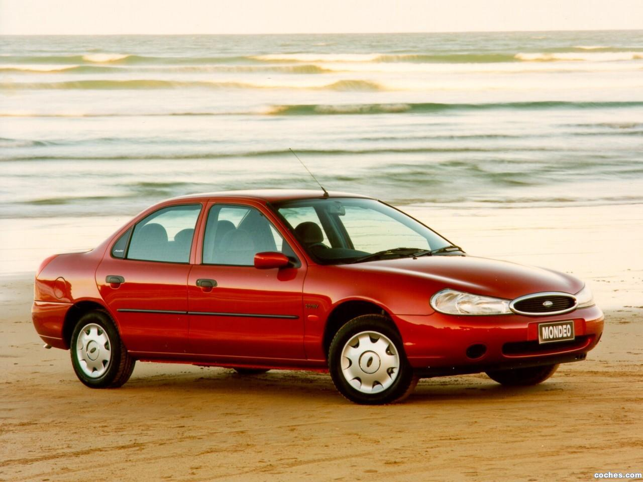Foto 0 de Ford Mondeo Sedan UK 1996
