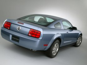 Ver foto 30 de Ford Mustang 2005