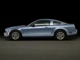Ver foto 28 de Ford Mustang 2005