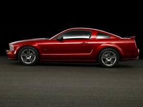 Ver foto 27 de Ford Mustang 2005