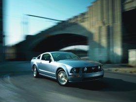 Ver foto 17 de Ford Mustang 2005