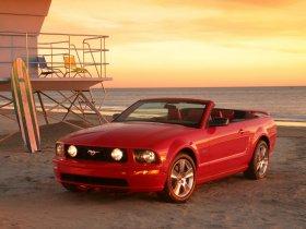 Ver foto 15 de Ford Mustang Cabrio 2005