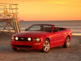 Ver foto 5 de Ford Mustang Cabrio 2005