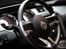 Ver foto 9 de Ford Mustang Convertible 2010