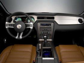 Ver foto 8 de Ford Mustang Convertible 2010