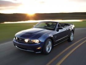 Ver foto 7 de Ford Mustang Convertible 2010