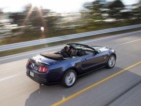 Ver foto 5 de Ford Mustang Convertible 2010