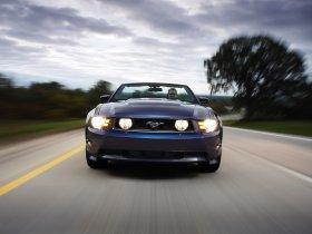 Ver foto 2 de Ford Mustang Convertible 2010