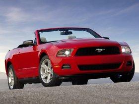 Fotos de Ford Mustang Convertible 2010