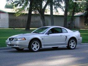 Ver foto 9 de Ford Mustang GT 1999
