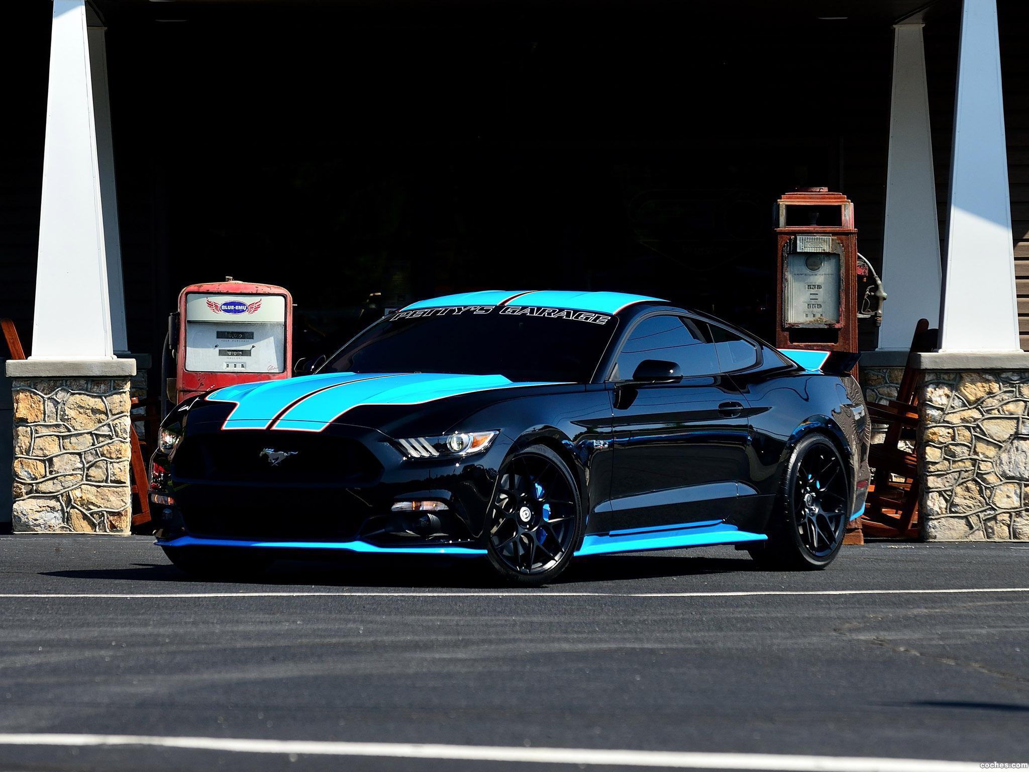Foto 4 de Ford Mustang GT Fastback Pettys Garage 2015