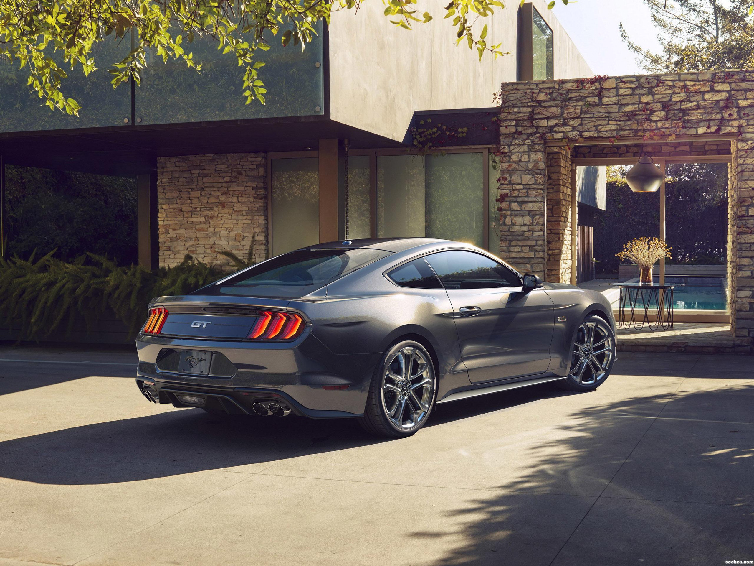 Foto 2 de Ford Mustang GT Fastback USA 2017