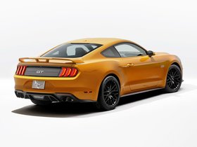 Ver foto 7 de Ford Mustang GT Fastback USA 2017