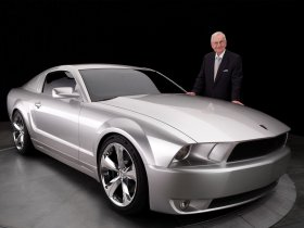 Ver foto 5 de Ford Mustang Iacocca 45th Anniversary Silver Edition 2009
