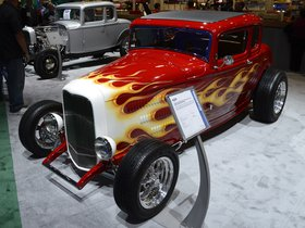 Ver foto 2 de Ford Red Deuce 5 Window Coupe 1932