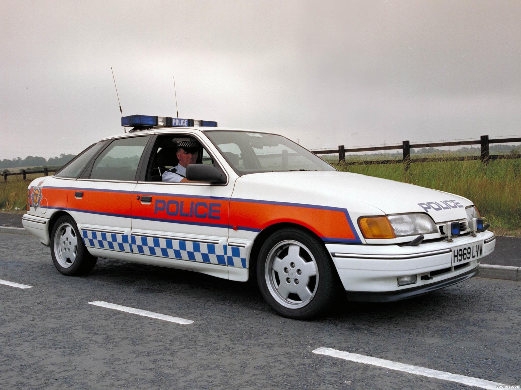 Foto 0 de Ford Sierra Cosworth Police Car-UK 1991