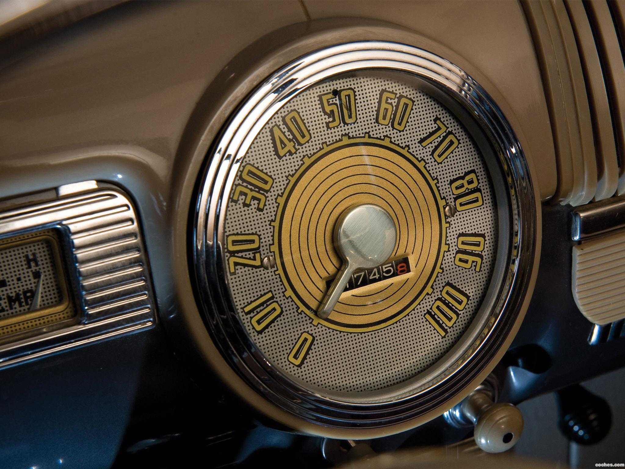 Foto 3 de Ford Super Deluxe Tudor Sedan 1947