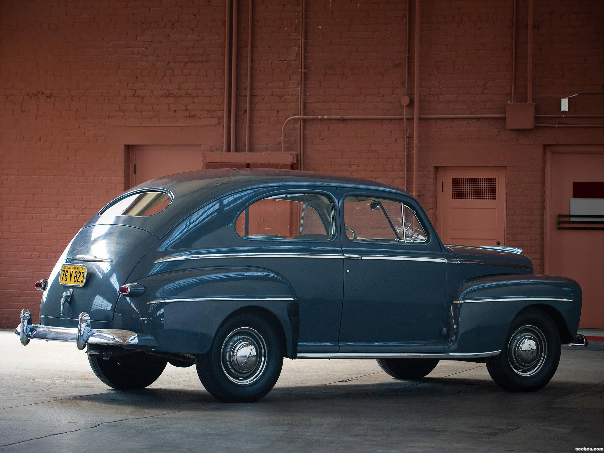 Foto 1 de Ford Super Deluxe Tudor Sedan 1947