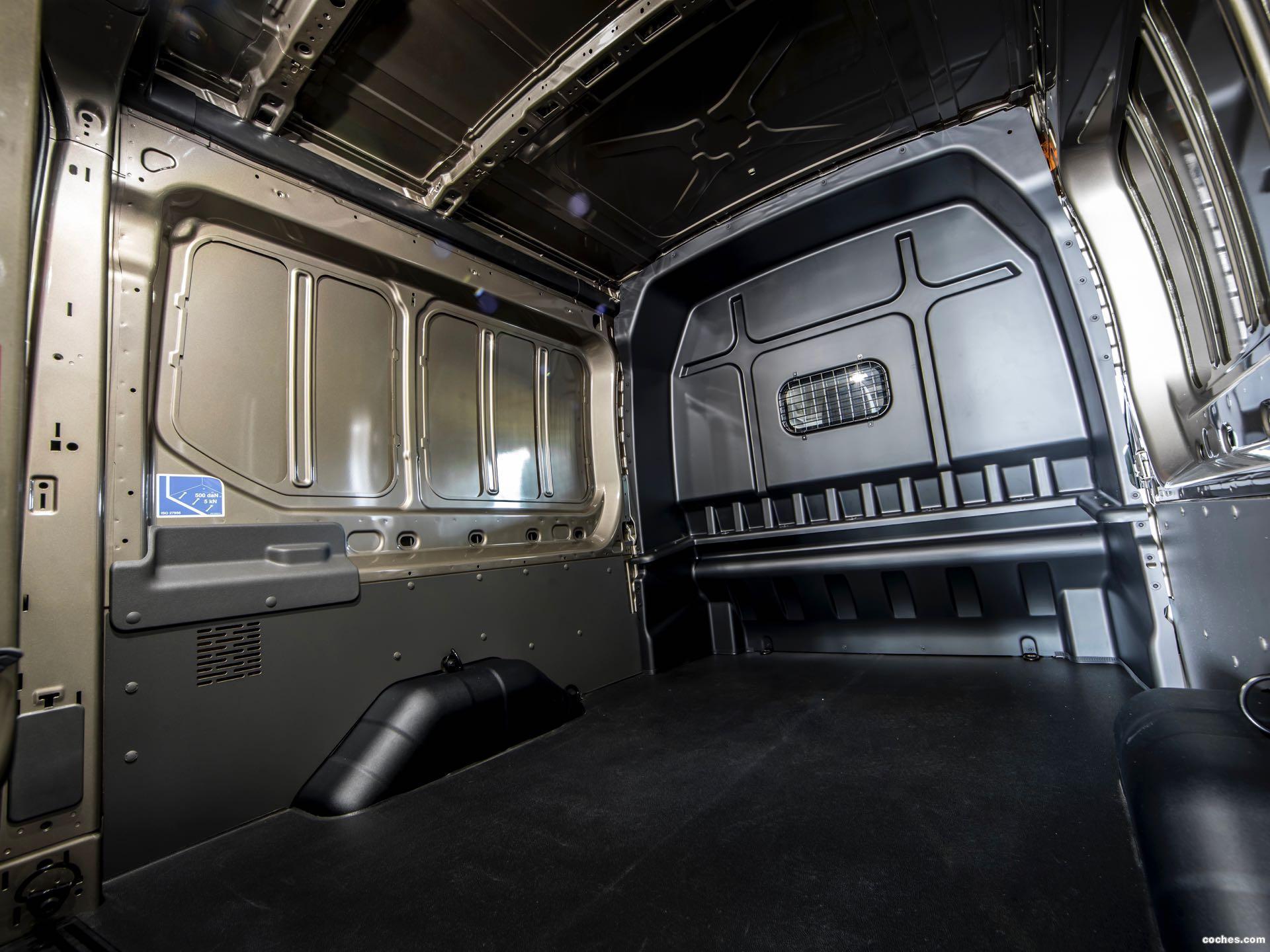 Foto 12 de Ford Transit Doble Cabina Van EcoBlue Hybrid 2019