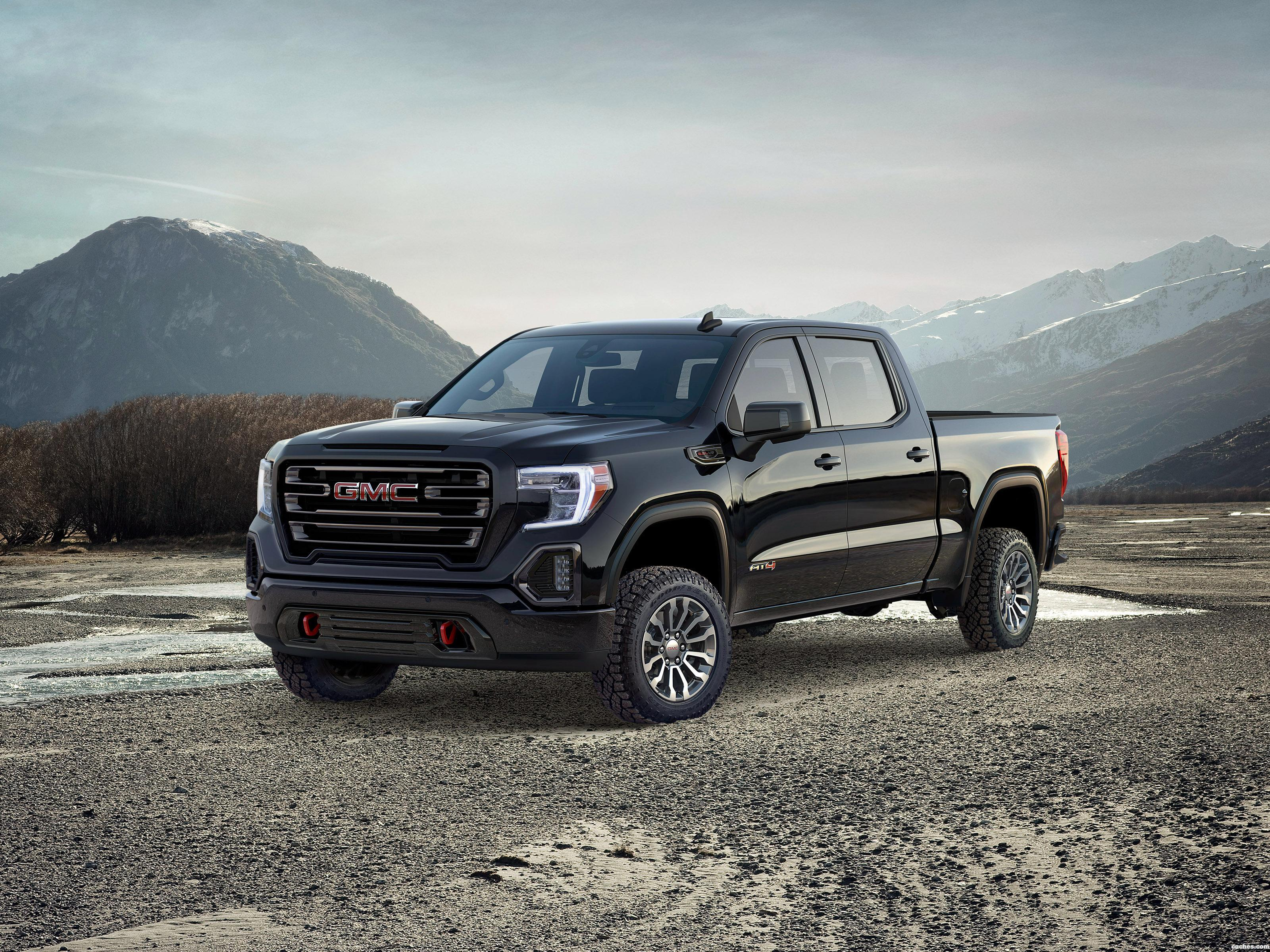 Foto 0 de GMC Sierra AT4 Crew Cab 2018