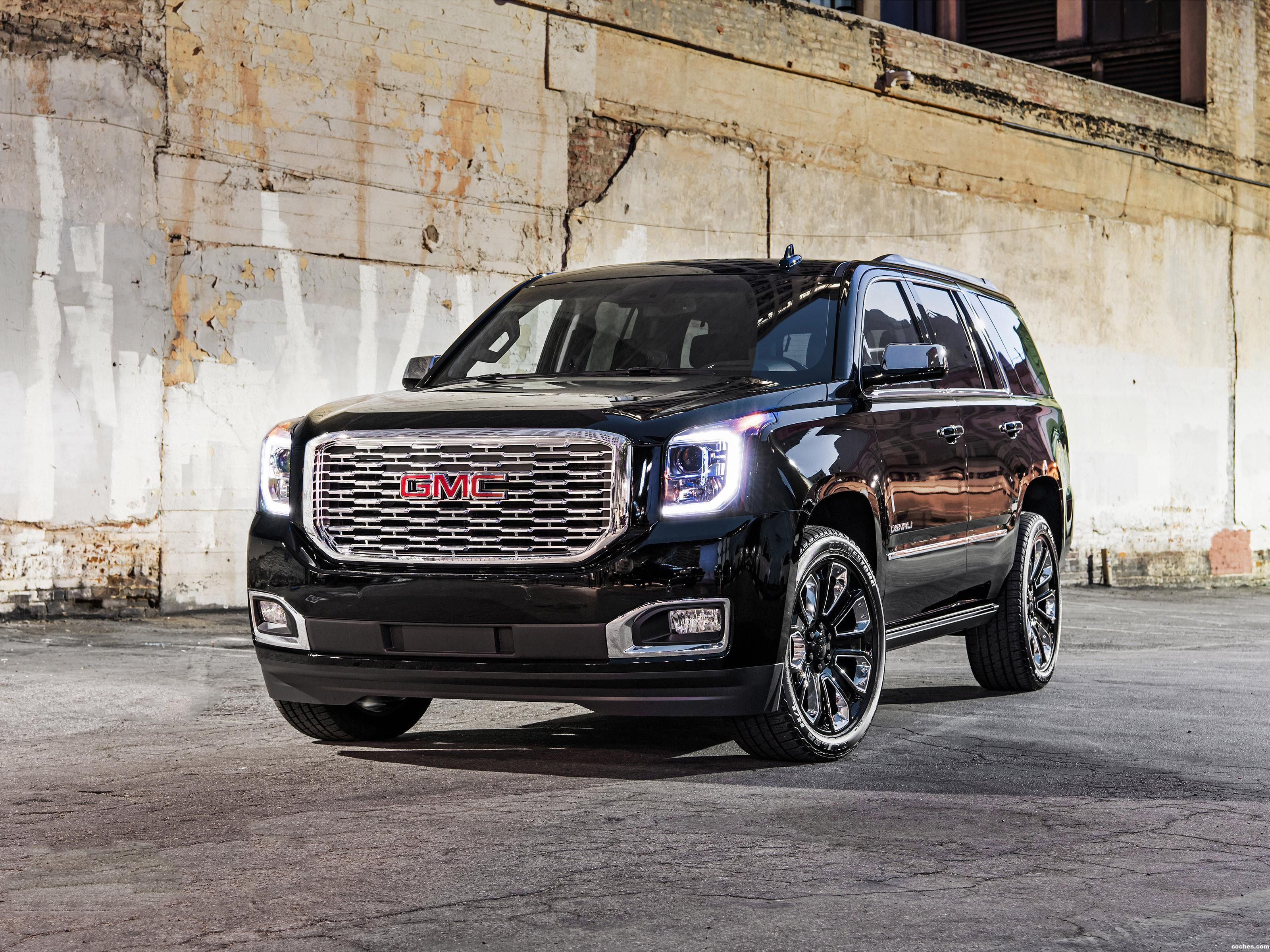 Foto 0 de GMC Yukon Denali Ultimate Black 2017