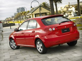 Ver foto 2 de Holden Viva 2005