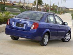 Ver foto 2 de Holden Viva Sedan 2005