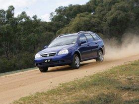 Ver foto 2 de Holden Viva Wagon 2005