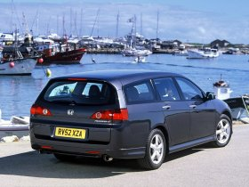 Ver foto 6 de Honda Accord Europe 2003