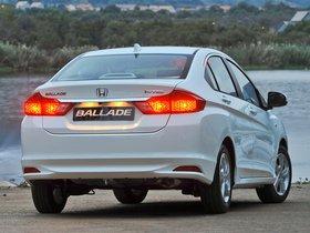 Ver foto 3 de Honda Ballade 2014
