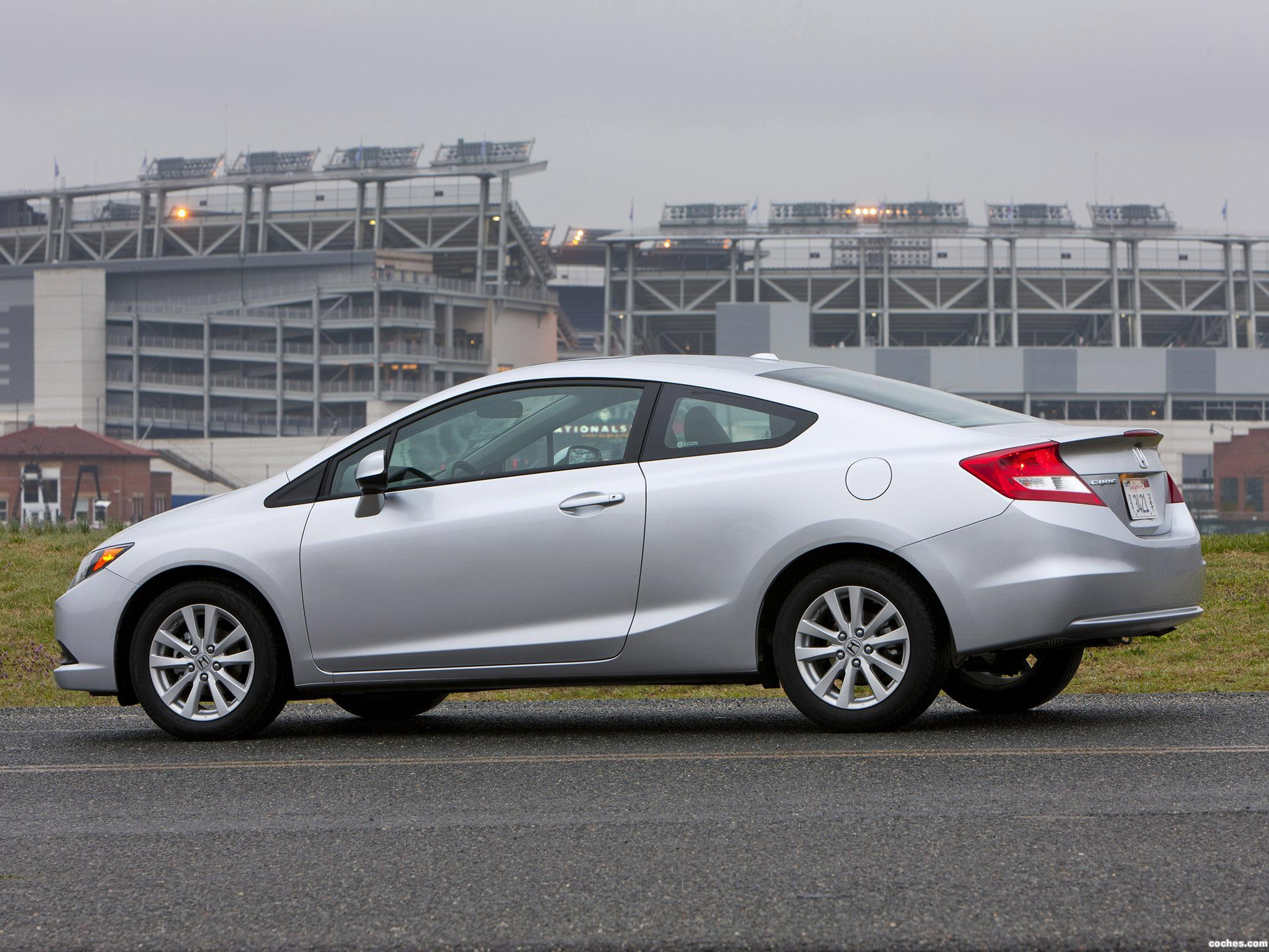 Foto 2 de Honda Civic EX-L Coupe 2011
