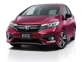 Fotos de Honda Fit Hybrid S Japan 2017