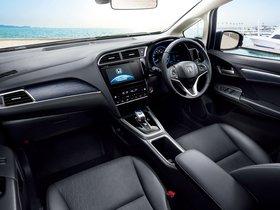 Ver foto 10 de Honda Fit Shuttle Hybrid 2015