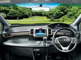 Ver foto 8 de Honda Freed Spike Hybrid 2011