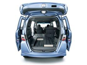 Ver foto 5 de Honda Freed Spike Hybrid 2011