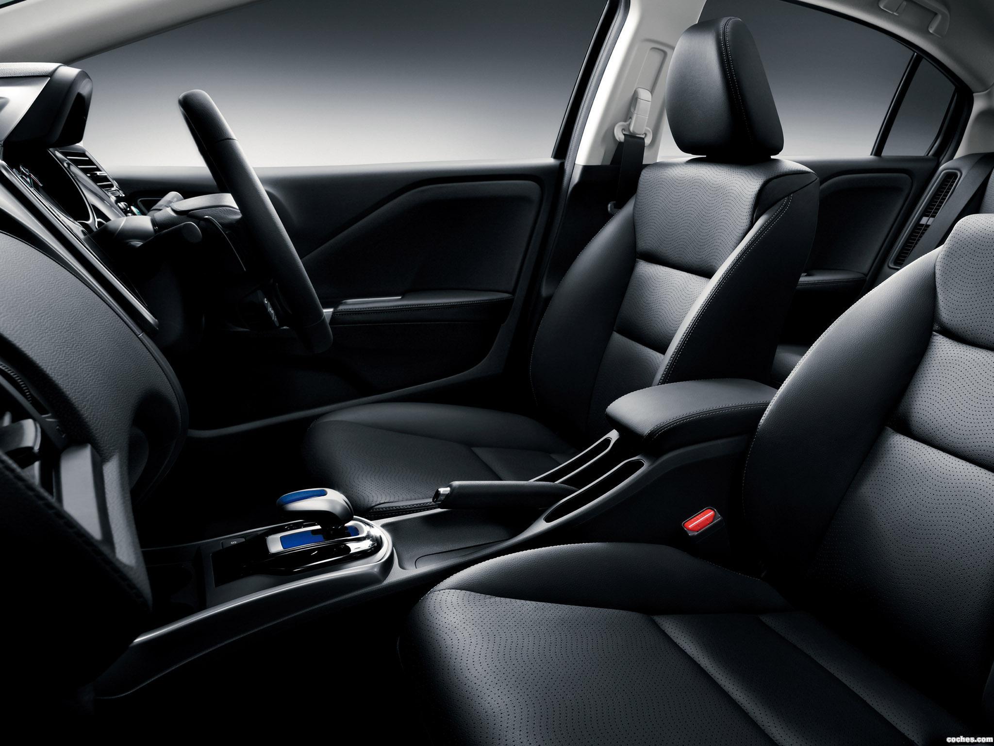 Foto 15 de Honda Grace Hybrid 2014