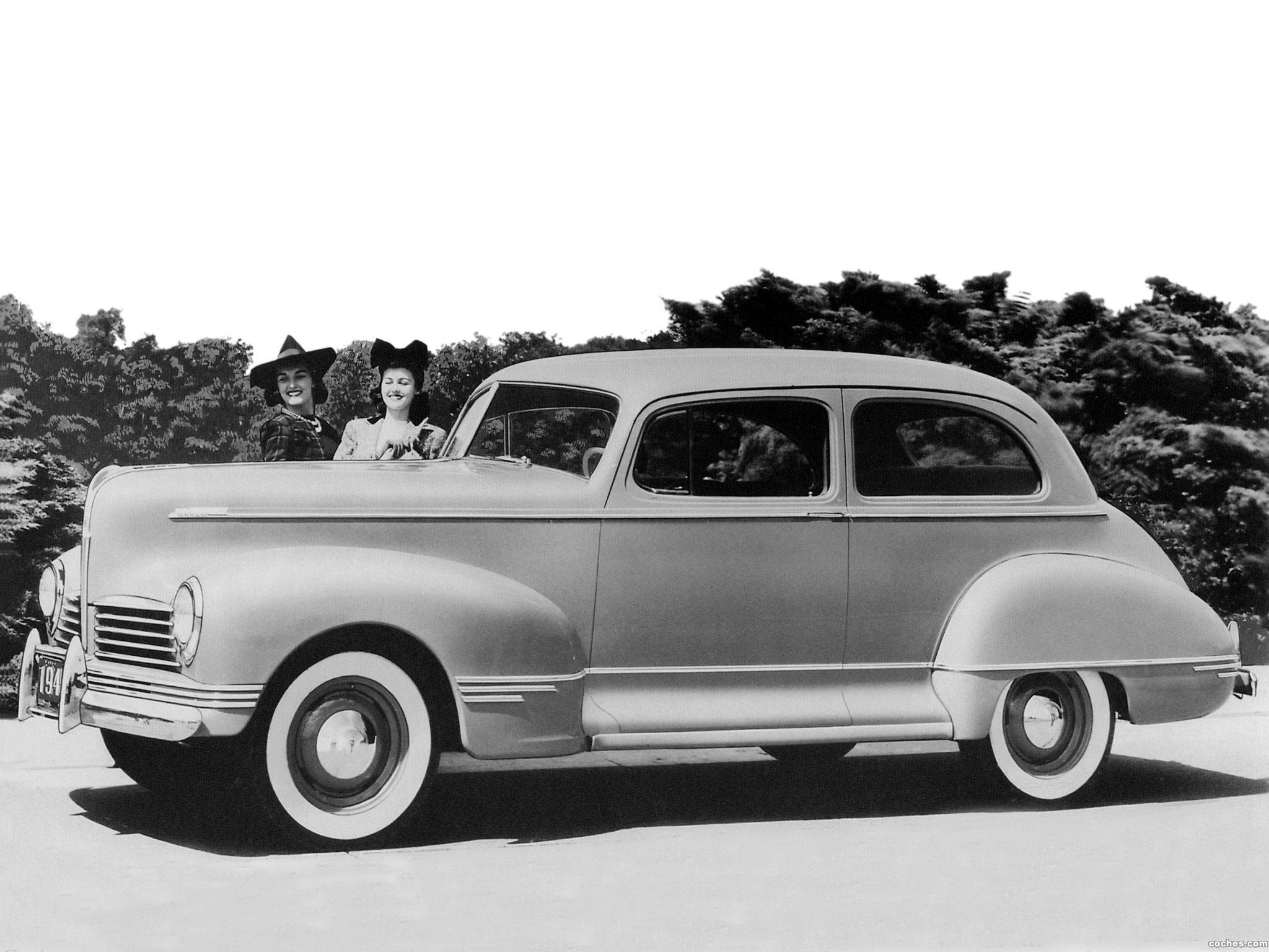 Foto 0 de Hudson Deluxe Six Club Sedan 1942