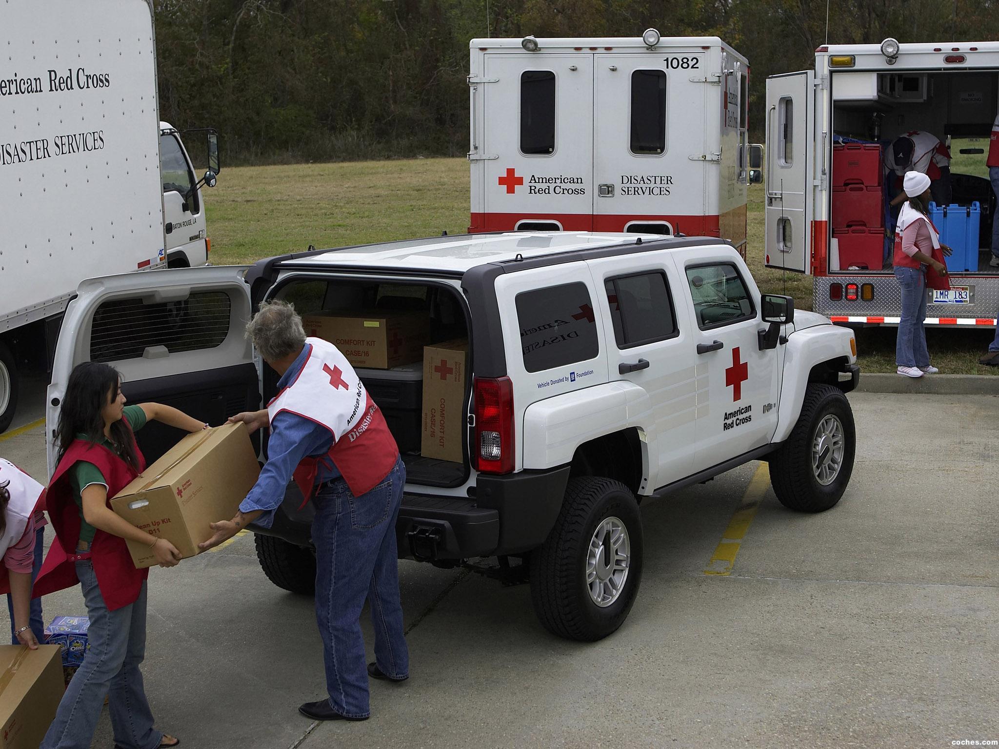 Foto 3 de Hummer H3 AMR American Red Cross 2006