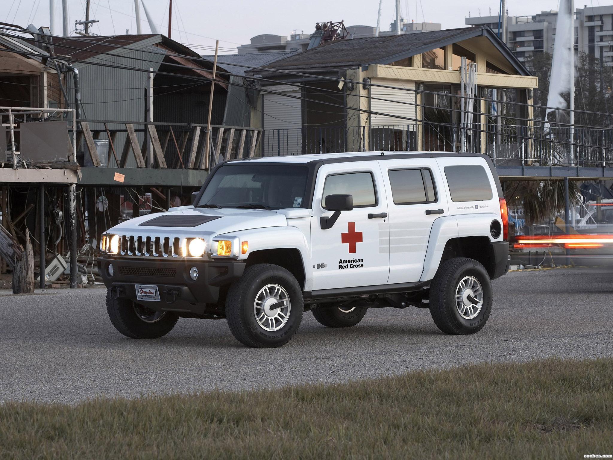 Foto 2 de Hummer H3 AMR American Red Cross 2006