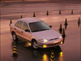 Ver foto 2 de Hyundai Accent 2004