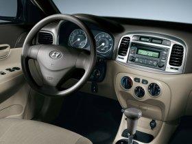 Ver foto 7 de Hyundai Accent Sedan 2006