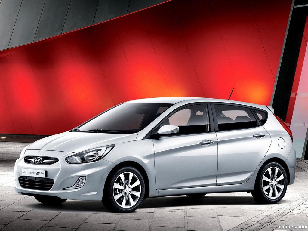 Foto 0 de Hyundai Accent Wit 2011