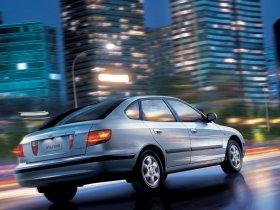Ver foto 4 de Hyundai Elantra 2000