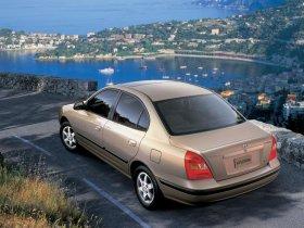 Ver foto 3 de Hyundai Elantra 2000